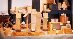 木のおもちゃ&創作家具